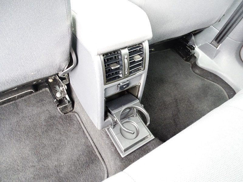 Photo 4 de l'offre de VOLKSWAGEN CADDY MAXI 1.6 TDI 102CH FAP TRENDLINE DSG7 à 12990€ chez International Auto Auneau