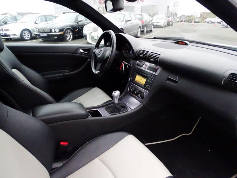 Photo 5 de l'offre de MERCEDES-BENZ CLASSE CLC (CL203) 180K à 9890€ chez International Auto Auneau