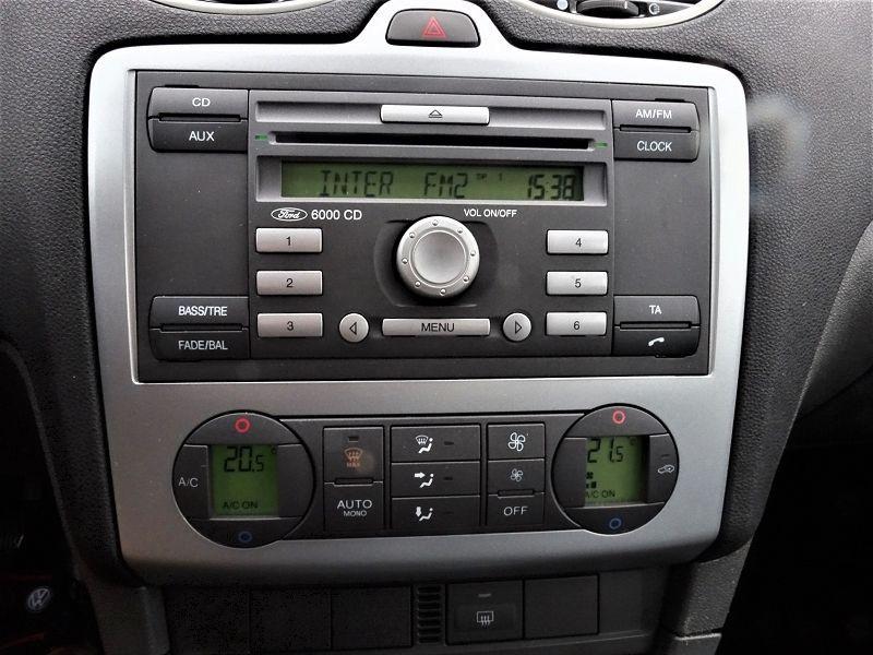 Photo 15 de l'offre de FORD FOCUS SW 1.6 TI-VCT 115CH TREND à 4790€ chez International Auto Auneau