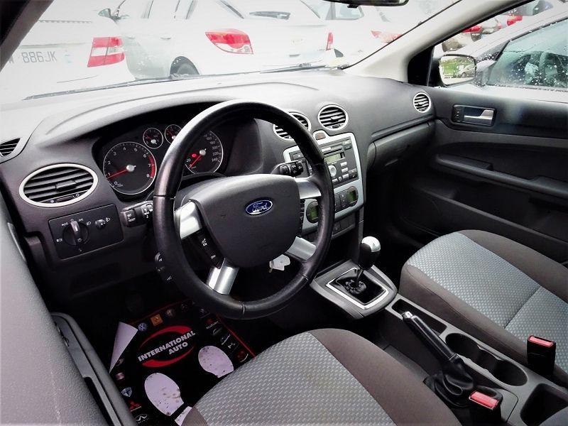 Photo 3 de l'offre de FORD FOCUS SW 1.6 TI-VCT 115CH TREND à 4790€ chez International Auto Auneau