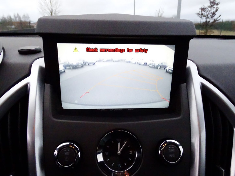 Photo 12 de l'offre de CADILLAC SRX 3.0 V6 AWD SPORT LUXURY  BA à 23490€ chez International Auto Auneau
