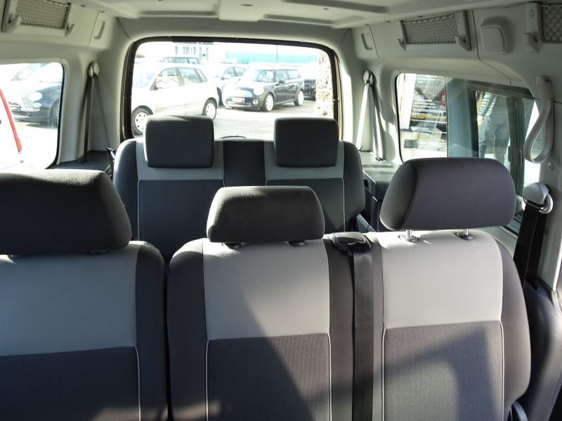 Photo 10 de l'offre de VOLKSWAGEN CADDY MAXI 1.6 TDI 102CH FAP TRENDLINE DSG7 à 12990€ chez International Auto Auneau