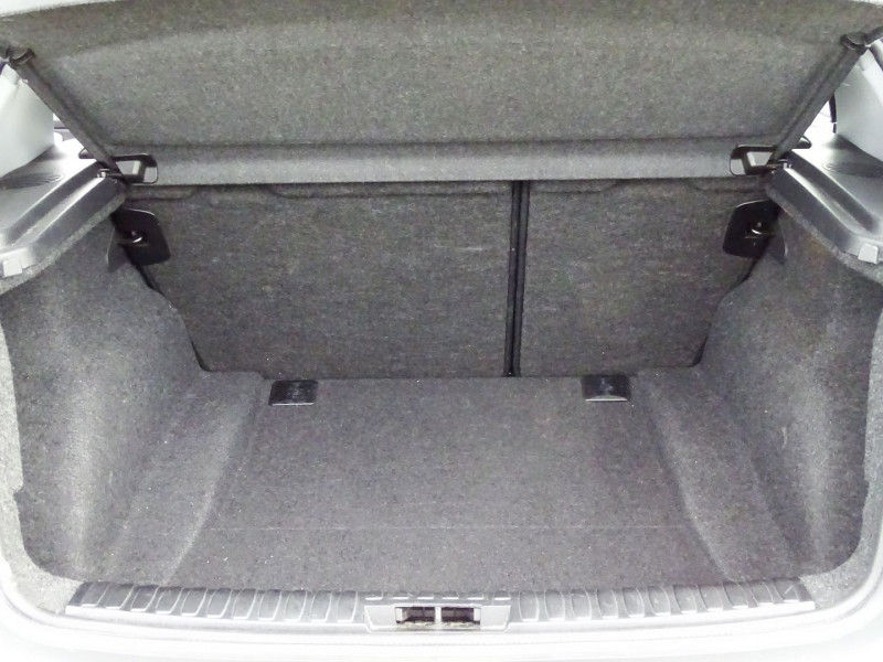 Photo 17 de l'offre de BMW SERIE 1 (E81/E87) 118D 143CH CONFORT 5P à 8790€ chez International Auto Auneau