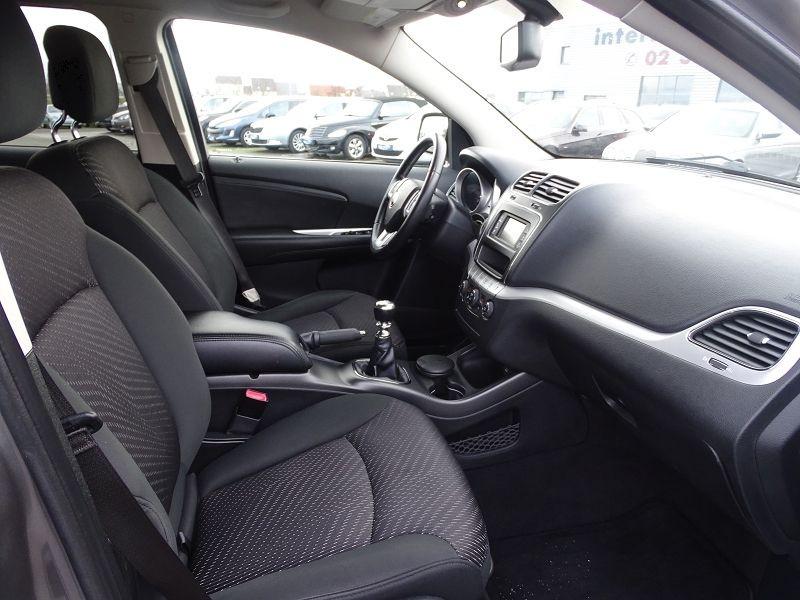 Photo 14 de l'offre de FIAT FREEMONT 2.0 MULTIJET 16V 140CH URBAN à 10790€ chez International Auto Auneau