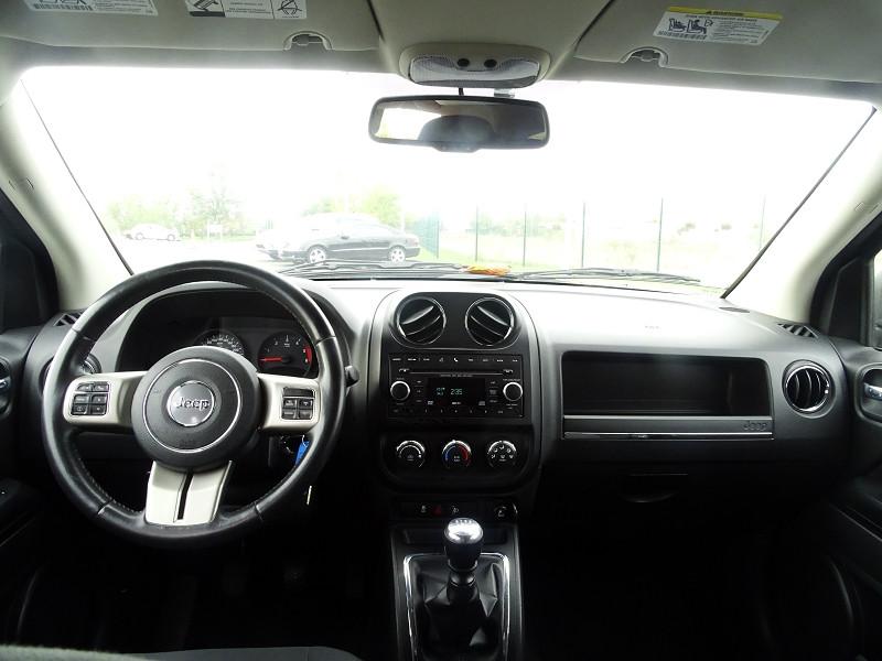 Photo 8 de l'offre de JEEP COMPASS 2.2 CRD 163 FAP SPORT 4X4 à 9890€ chez International Auto Auneau