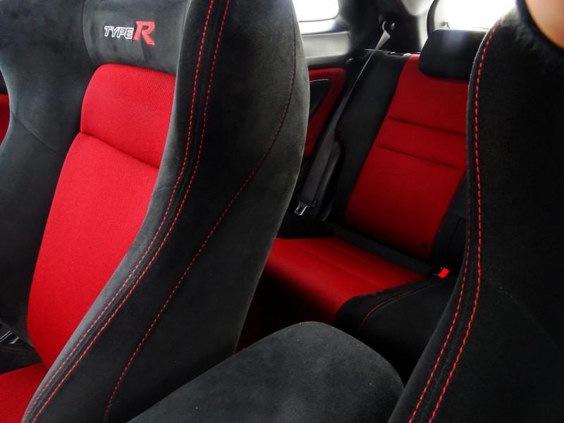 Photo 10 de l'offre de HONDA CIVIC 2.0 TYPE R 3P à 13690€ chez International Auto Auneau