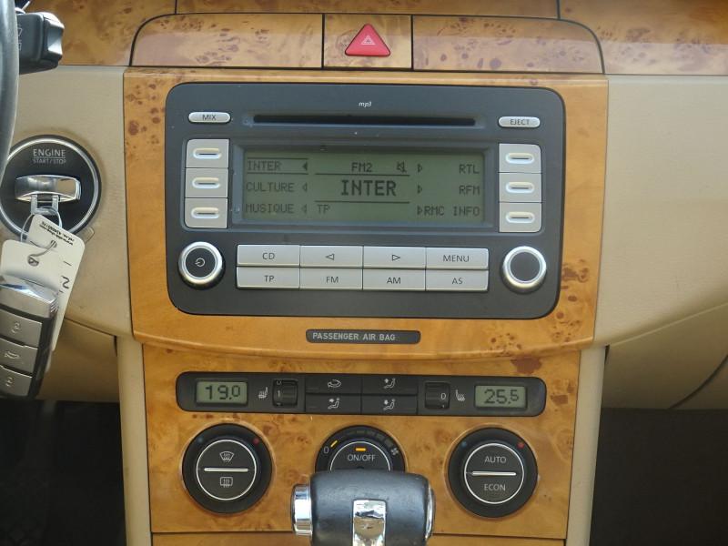 Photo 12 de l'offre de VOLKSWAGEN PASSAT SW 2.0 TDI 170CH DPF CARAT DSG6 à 7790€ chez International Auto Auneau