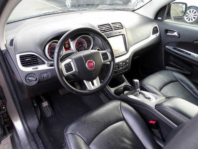 Photo 8 de l'offre de FIAT FREEMONT 2.0 MULTIJET 16V 170CH LOUNGE AWD BVA à 14990€ chez International Auto Auneau