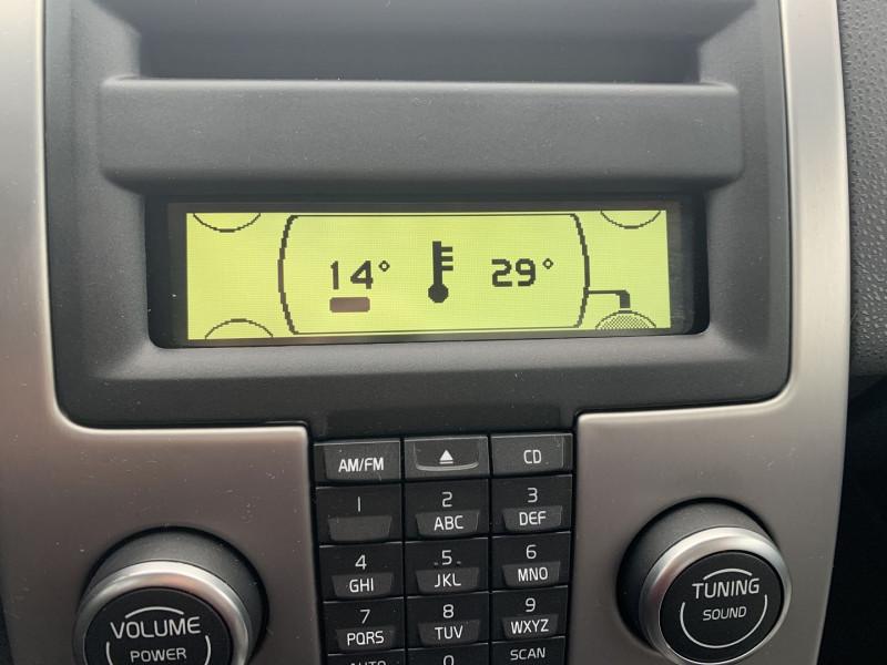 Photo 10 de l'offre de VOLVO C30 1.6 D 110CH DRIVE KINETIC à 8490€ chez International Auto Auneau