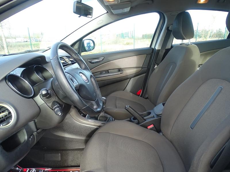 Photo 3 de l'offre de FIAT BRAVO 1.9 MULTIJET 8V 120CH DYNAMIC à 4990€ chez International Auto Auneau