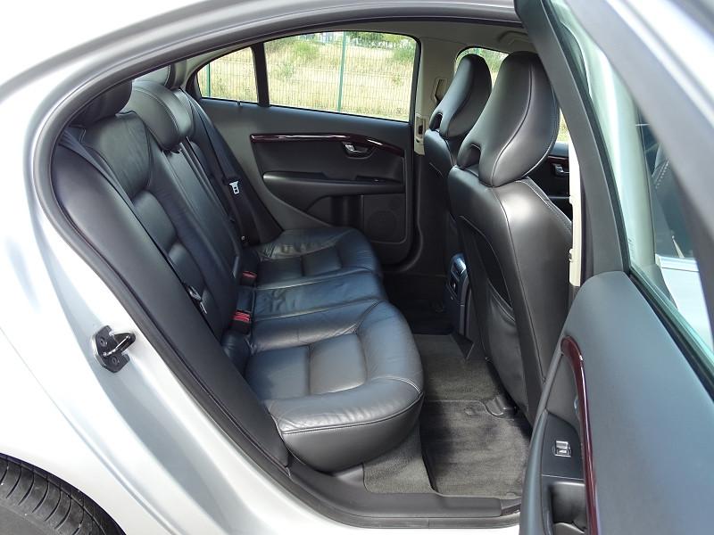 Photo 9 de l'offre de VOLVO S80 2.0 D 136CH MOMENTUM à 8490€ chez International Auto Auneau