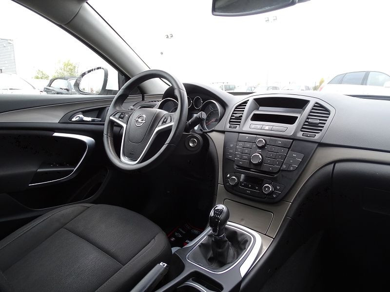 Photo 13 de l'offre de OPEL INSIGNIA 2.0 CDTI160 FAP COSMO 5P à 9490€ chez International Auto Auneau