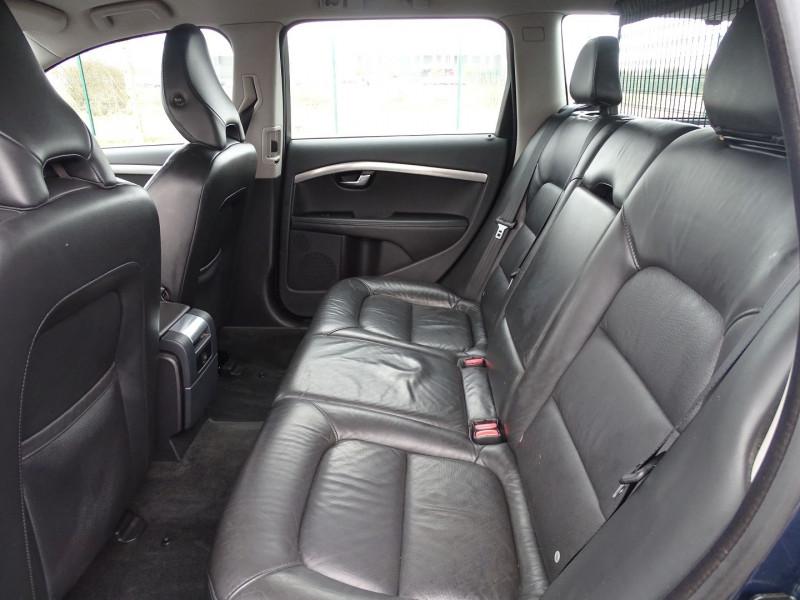 Photo 4 de l'offre de VOLVO V70 D3 163CH MOMENTUM GEARTRONIC à 6990€ chez International Auto Auneau