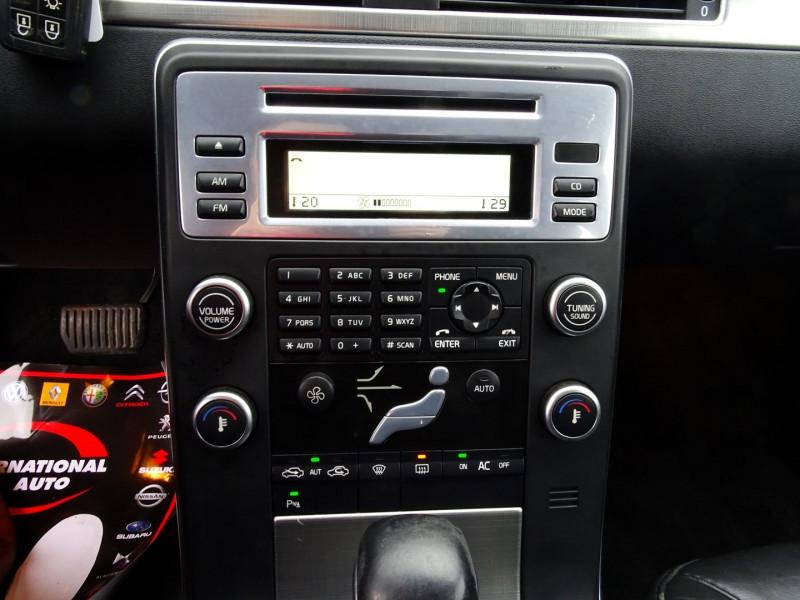 Photo 6 de l'offre de VOLVO V70 D3 163CH MOMENTUM GEARTRONIC à 6990€ chez International Auto Auneau
