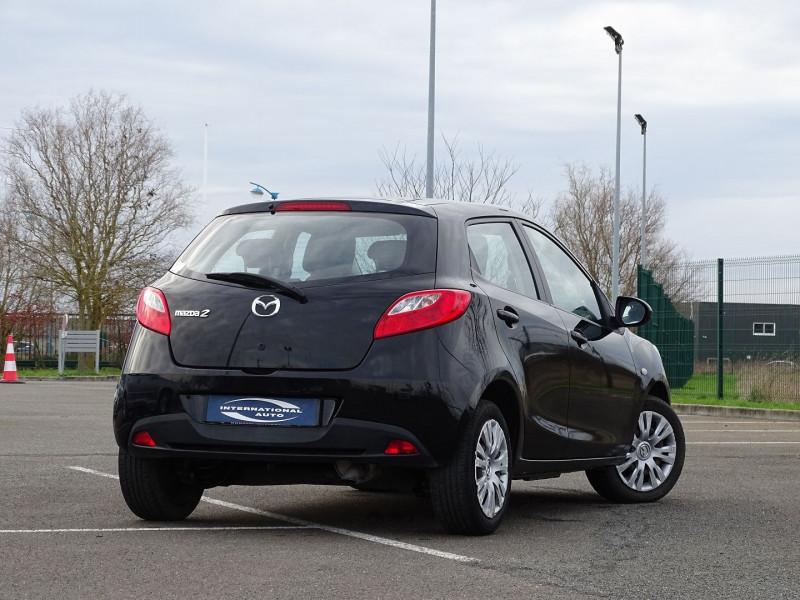 Photo 2 de l'offre de MAZDA MAZDA 2 1.4 MZ-CD ELEGANCE 5P à 5990€ chez International Auto Auneau
