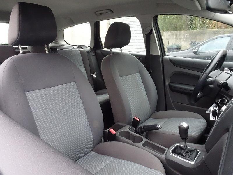 Photo 6 de l'offre de FORD FOCUS SW 1.6 TI-VCT 115CH TREND à 4790€ chez International Auto Auneau