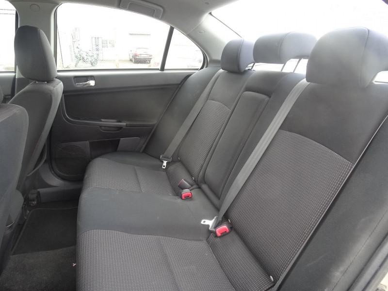 Photo 4 de l'offre de MITSUBISHI LANCER 2.0 DI-D INTENSE 4P à 7490€ chez International Auto Auneau