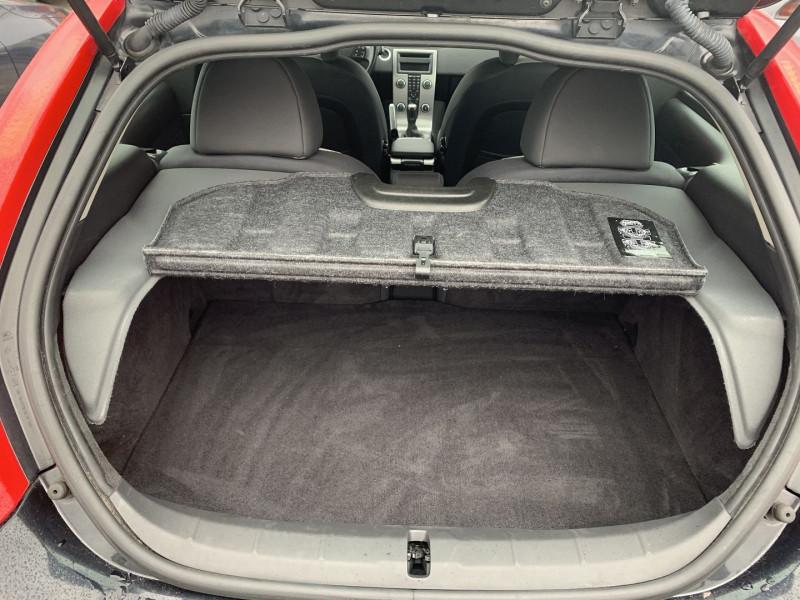 Photo 8 de l'offre de VOLVO C30 1.6 D 110CH DRIVE KINETIC à 8490€ chez International Auto Auneau