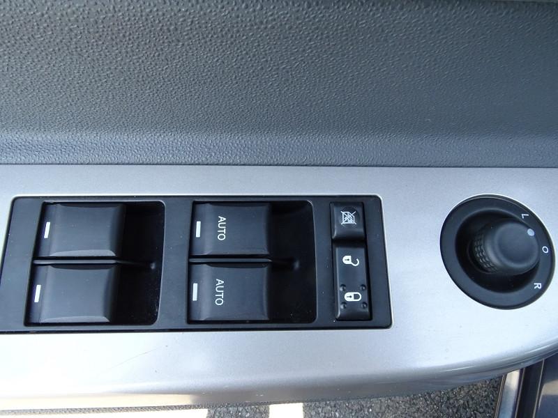 Photo 8 de l'offre de CHRYSLER SEBRING 2.0 CRD TOURING à 6790€ chez International Auto Auneau