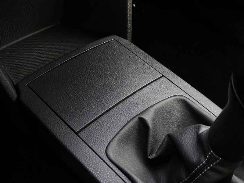 Photo 6 de l'offre de VOLKSWAGEN POLO 1.2 60CH UNITED 5P à 5590€ chez International Auto Auneau