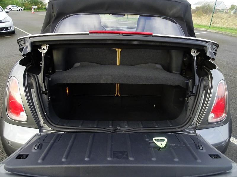 Photo 16 de l'offre de MINI CABRIO COOPER S 170CH SIDEWALK à 9890€ chez International Auto Auneau