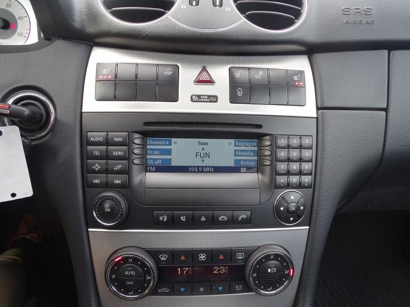 Photo 6 de l'offre de MERCEDES-BENZ CLASSE CLK (C209) 320 CDI AVANTGARDE 7GTRO à 9890€ chez International Auto Auneau