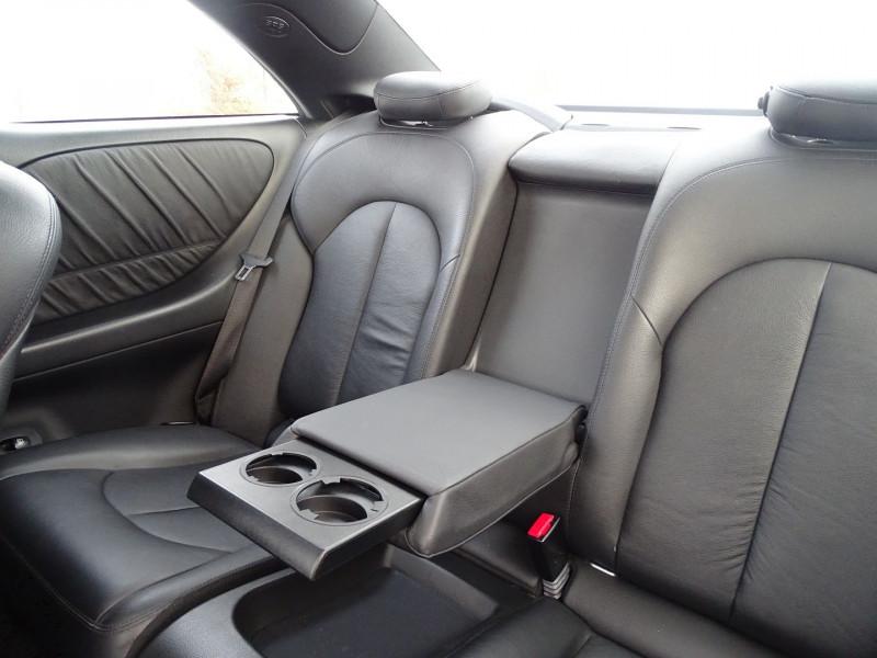 Photo 10 de l'offre de MERCEDES-BENZ CLASSE CLK (C209) 320 CDI AVANTGARDE 7GTRO à 9890€ chez International Auto Auneau