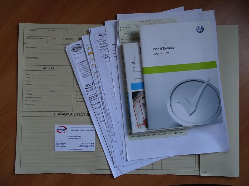 Photo 20 de l'offre de VOLKSWAGEN JETTA 2.0 TDI 140CH FAP CARAT à 8990€ chez International Auto Auneau