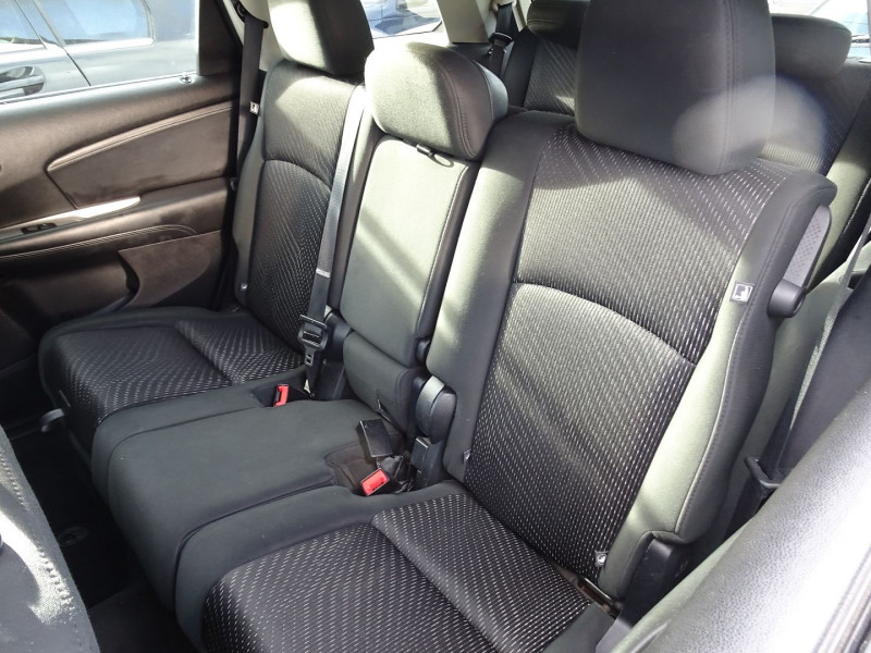 Photo 5 de l'offre de FIAT FREEMONT 2.0 MULTIJET 16V 170CH URBAN à 12990€ chez International Auto Auneau