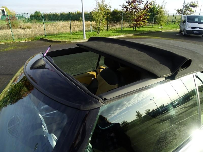 Photo 5 de l'offre de MINI CABRIO COOPER S 170CH SIDEWALK à 9890€ chez International Auto Auneau