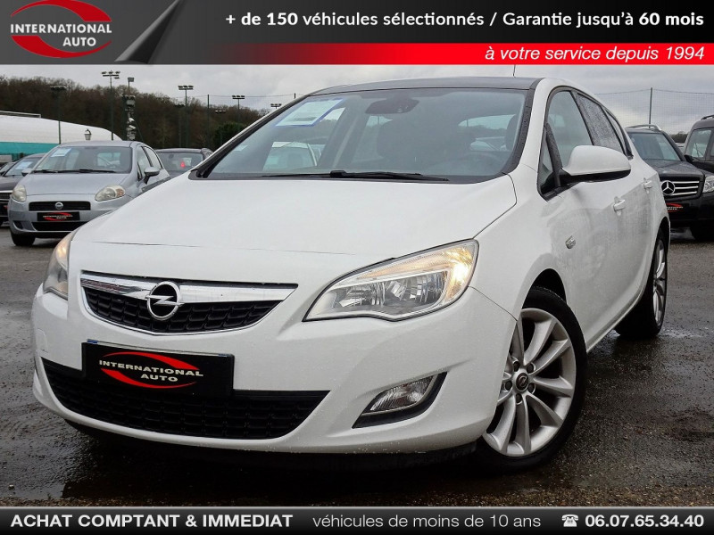 Photo 1 de l'offre de OPEL ASTRA 1.7 CDTI110 FAP BLACK & WHITE à 7890€ chez International Auto Auneau