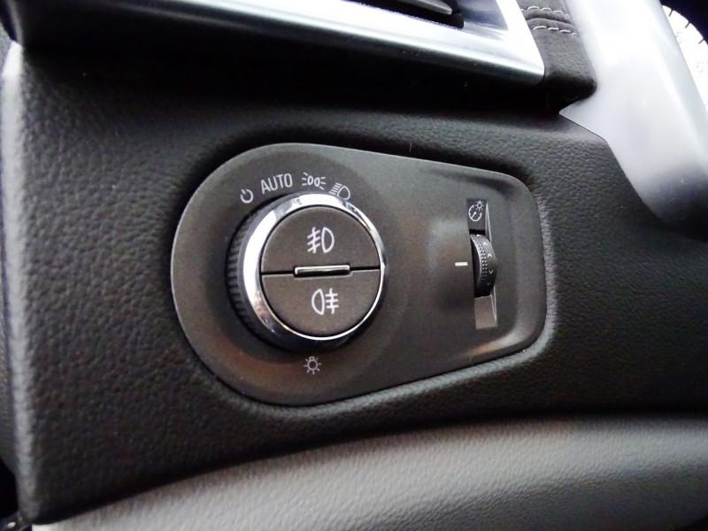 Photo 20 de l'offre de CADILLAC SRX 3.0 V6 AWD SPORT LUXURY  BA à 23490€ chez International Auto Auneau