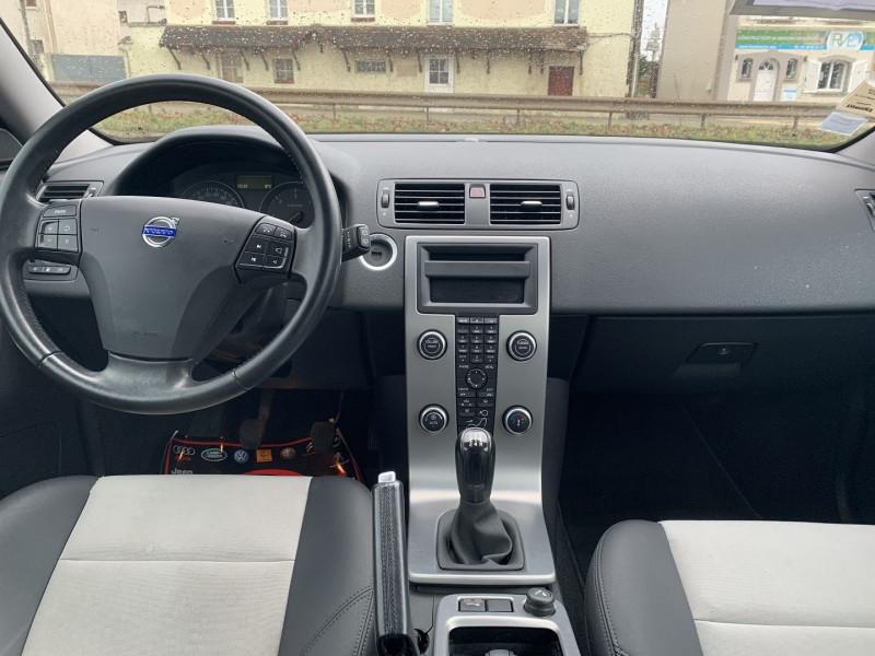 Photo 11 de l'offre de VOLVO C30 1.6 D 110CH DRIVE KINETIC à 8490€ chez International Auto Auneau