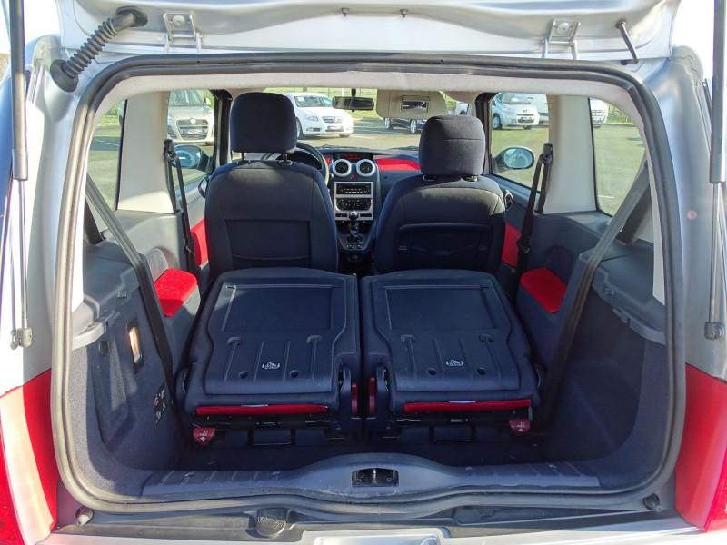 Photo 14 de l'offre de PEUGEOT 1007 1.4 HDI TRENDY à 4990€ chez International Auto Auneau
