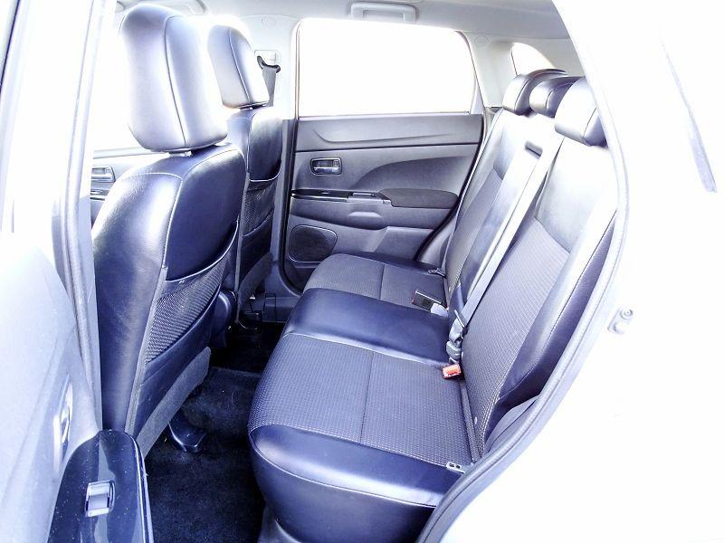 Photo 10 de l'offre de PEUGEOT 4008 1.8 HDI150 FAP STT 4WD à 12490€ chez International Auto Auneau