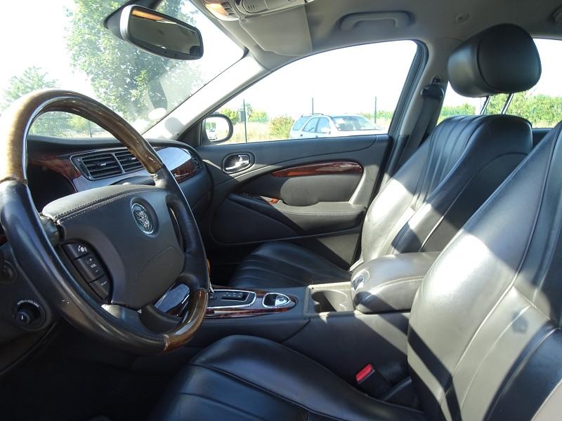 Photo 3 de l'offre de JAGUAR S-TYPE 2.7D BI-TURBO SPORT à 8690€ chez International Auto Auneau