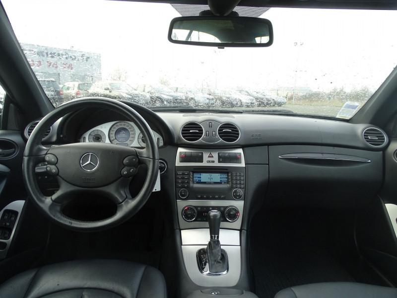 Photo 11 de l'offre de MERCEDES-BENZ CLASSE CLK (C209) 320 CDI AVANTGARDE 7GTRO à 9890€ chez International Auto Auneau