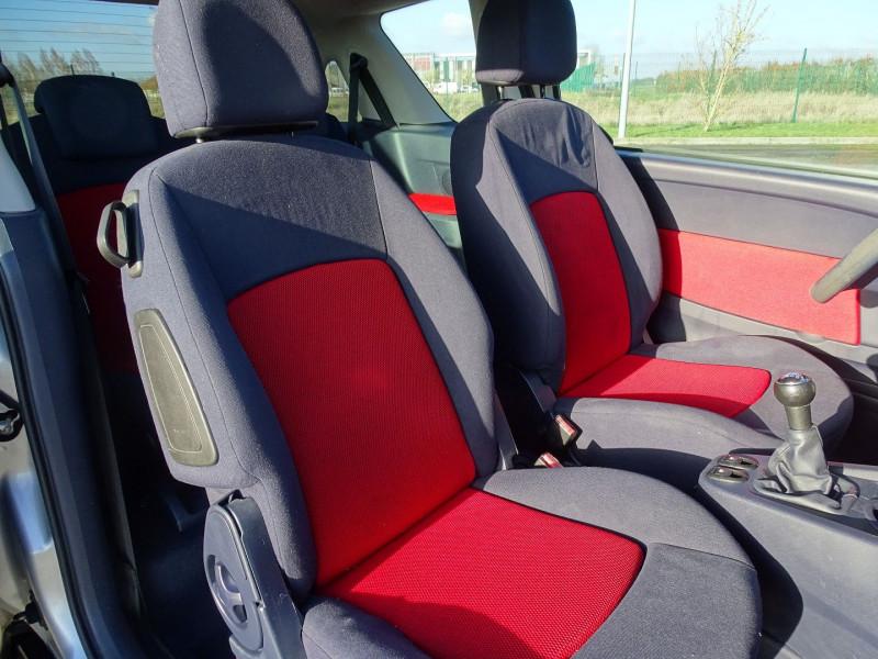 Photo 5 de l'offre de PEUGEOT 1007 1.4 HDI TRENDY à 4990€ chez International Auto Auneau