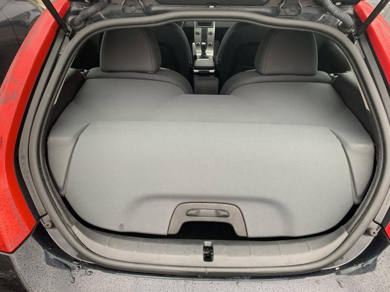 Photo 7 de l'offre de VOLVO C30 1.6 D 110CH DRIVE KINETIC à 8490€ chez International Auto Auneau