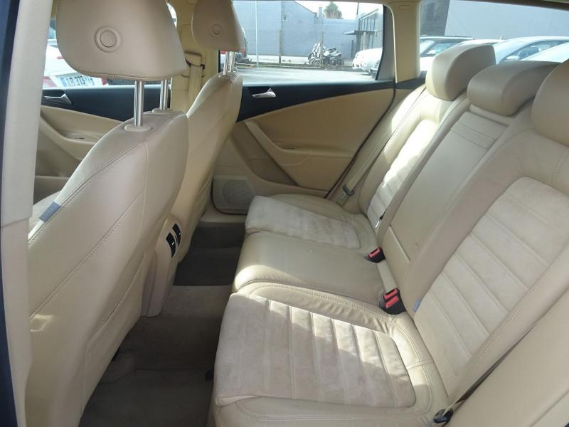 Photo 9 de l'offre de VOLKSWAGEN PASSAT SW 2.0 TDI 170CH DPF CARAT DSG6 à 7790€ chez International Auto Auneau