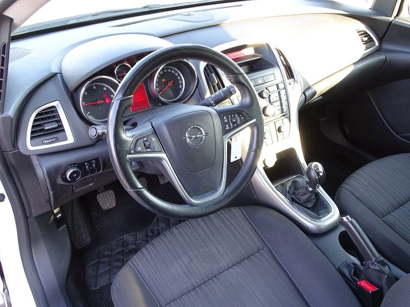 Photo 4 de l'offre de OPEL ASTRA 1.7 CDTI110 FAP BLACK & WHITE à 7890€ chez International Auto Auneau