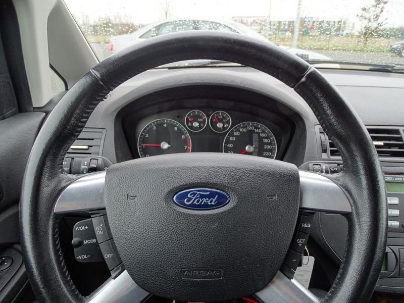 Photo 5 de l'offre de FORD C-MAX 1.8 125CH GHIA à 3990€ chez International Auto Auneau