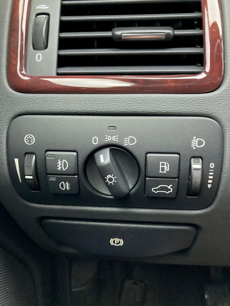 Photo 13 de l'offre de VOLVO S80 2.0 D 136CH MOMENTUM à 8490€ chez International Auto Auneau
