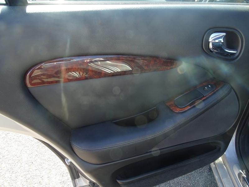 Photo 10 de l'offre de JAGUAR S-TYPE 2.7D BI-TURBO SPORT à 8690€ chez International Auto Auneau