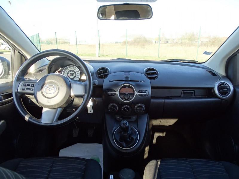 Photo 11 de l'offre de MAZDA MAZDA 2 1.4 MZ-CD ELEGANCE 5P à 5990€ chez International Auto Auneau