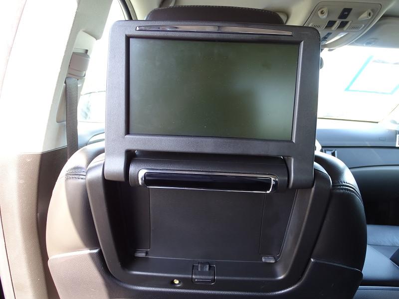 Photo 8 de l'offre de CADILLAC SRX 3.0 V6 AWD SPORT LUXURY  BA à 23490€ chez International Auto Auneau