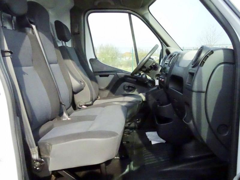 Photo 6 de l'offre de RENAULT TRUCKS MASTER FG 125.35 FG L3H2 à 11490€ chez International Auto Auneau