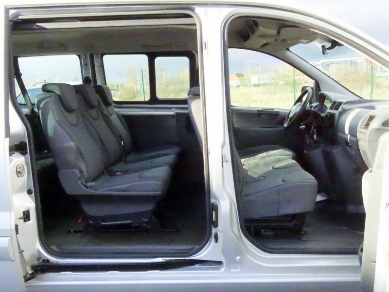 Photo 14 de l'offre de FIAT SCUDO PANORAMA CH1 1.6 MULTIJET 16V 8/9 PLACES à 11990€ chez International Auto Auneau