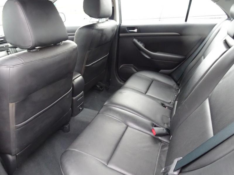 Photo 4 de l'offre de TOYOTA AVENSIS 126 D-4D TECHNO PACK 5P à 5890€ chez International Auto Auneau