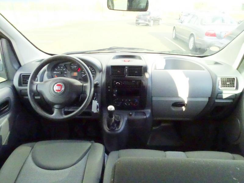 Photo 15 de l'offre de FIAT SCUDO PANORAMA CH1 1.6 MULTIJET 16V 8/9 PLACES à 11990€ chez International Auto Auneau